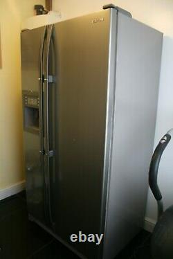 American Fridge Freezer RS21DCNS side by side door water & ice dispenser