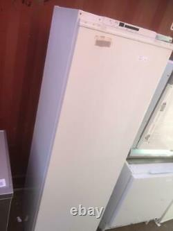 BEKO BL77 310L Integrated Tall Fridge Reversible Doors Anti Bacterial
