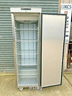 Congélateur Cabinet À Porte Simple Gram F410rgc6n Équipement De Restauration Reconditionné