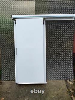 Réfrigérateur Cold Room Ou Porte Coulissante Congélateur Construit Selon Les Spécifications De N'importe Quelle Taille