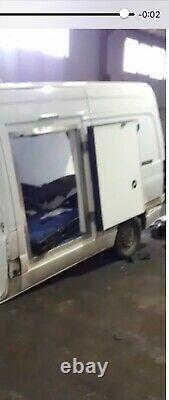 Slab Door Fridge Body Freezer Chiller / Réfrigération Van. Artisan Sprinter